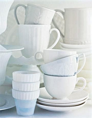 white-china-cups-de-72991797