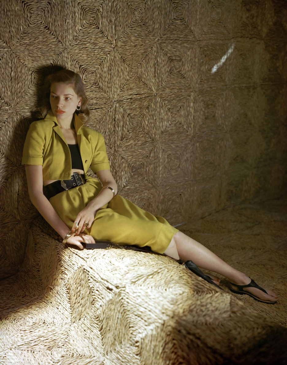 Bacall-gold-straw-modeling