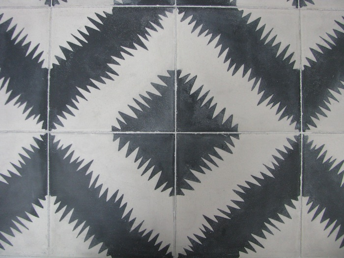 11-tangier-dining-table-zig-zag-pattern-detail1