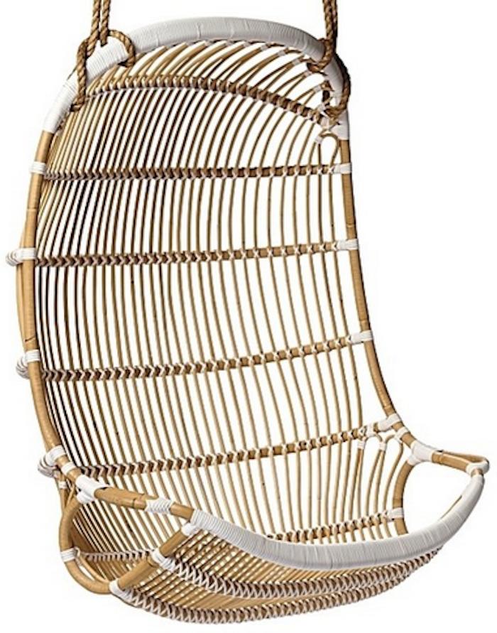 Hnaging rattan chair